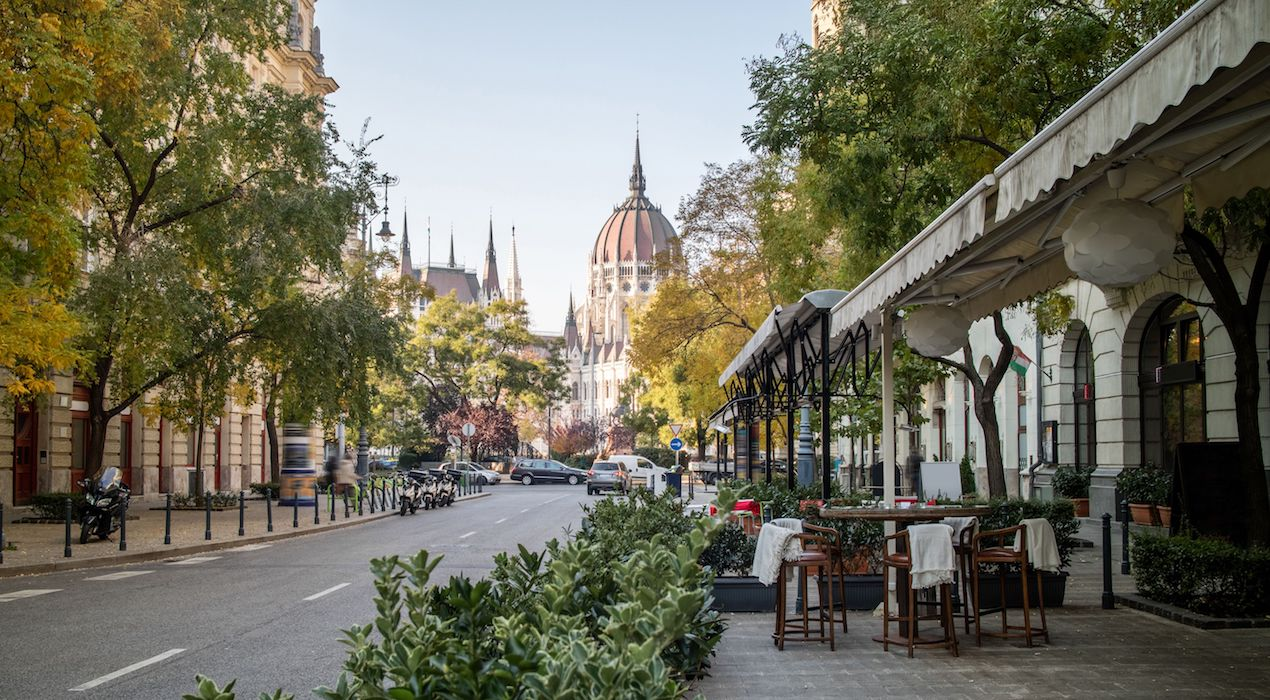 the_irish_times_buying_into_the_budapest_boom2